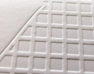 Κοντινή όψη τμήματος επαγγελματικής κάρτας με letterpress