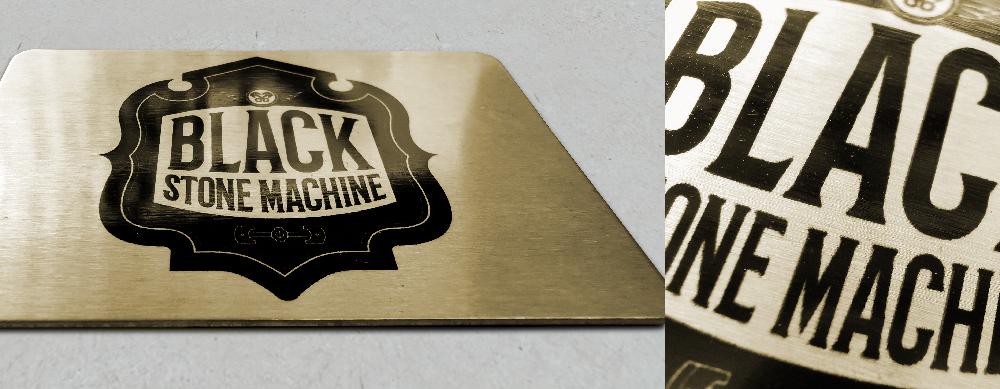 μεταλλική επαγγελματική κάρτα σε απόχρωση χρυσό